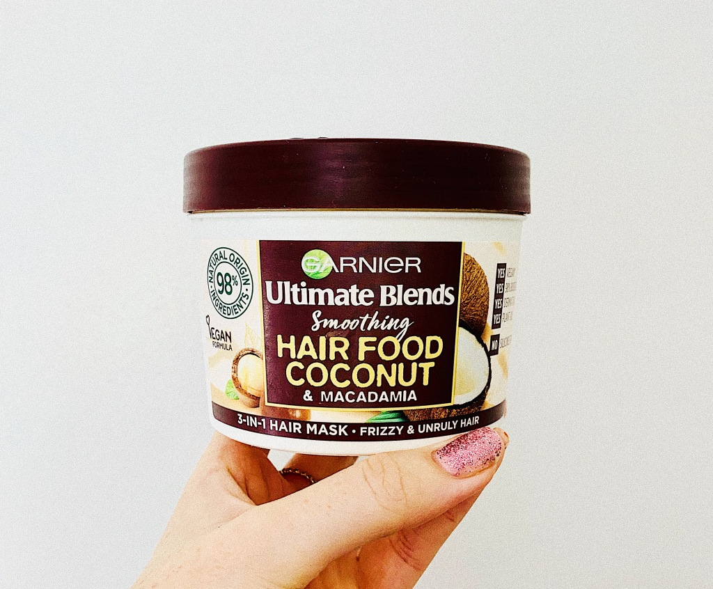 Garnier Ultimate Blends Soothing Hair Food Coconut and Macadamia 3 in 1 Hair Mask for Frizzy and Unruly Hair