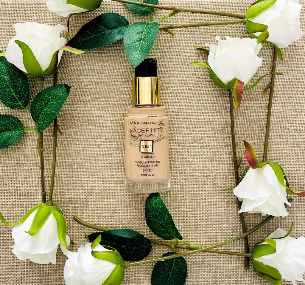 Max Factor Facfinity 3 in 1 Foundation (Oily Skin Foundation)
